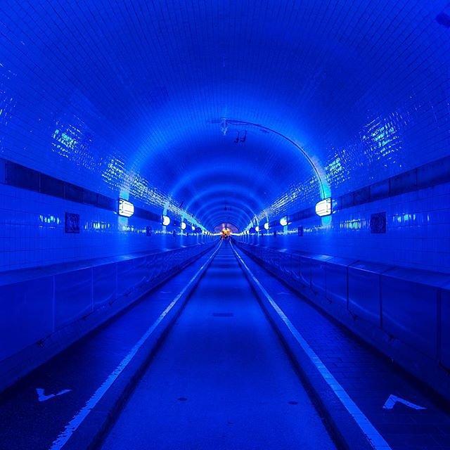 #hamburg #blueport #blueporthamburg #hh #welovehh #hamburgharbour #hamburhhafen #blue #elbtunnel